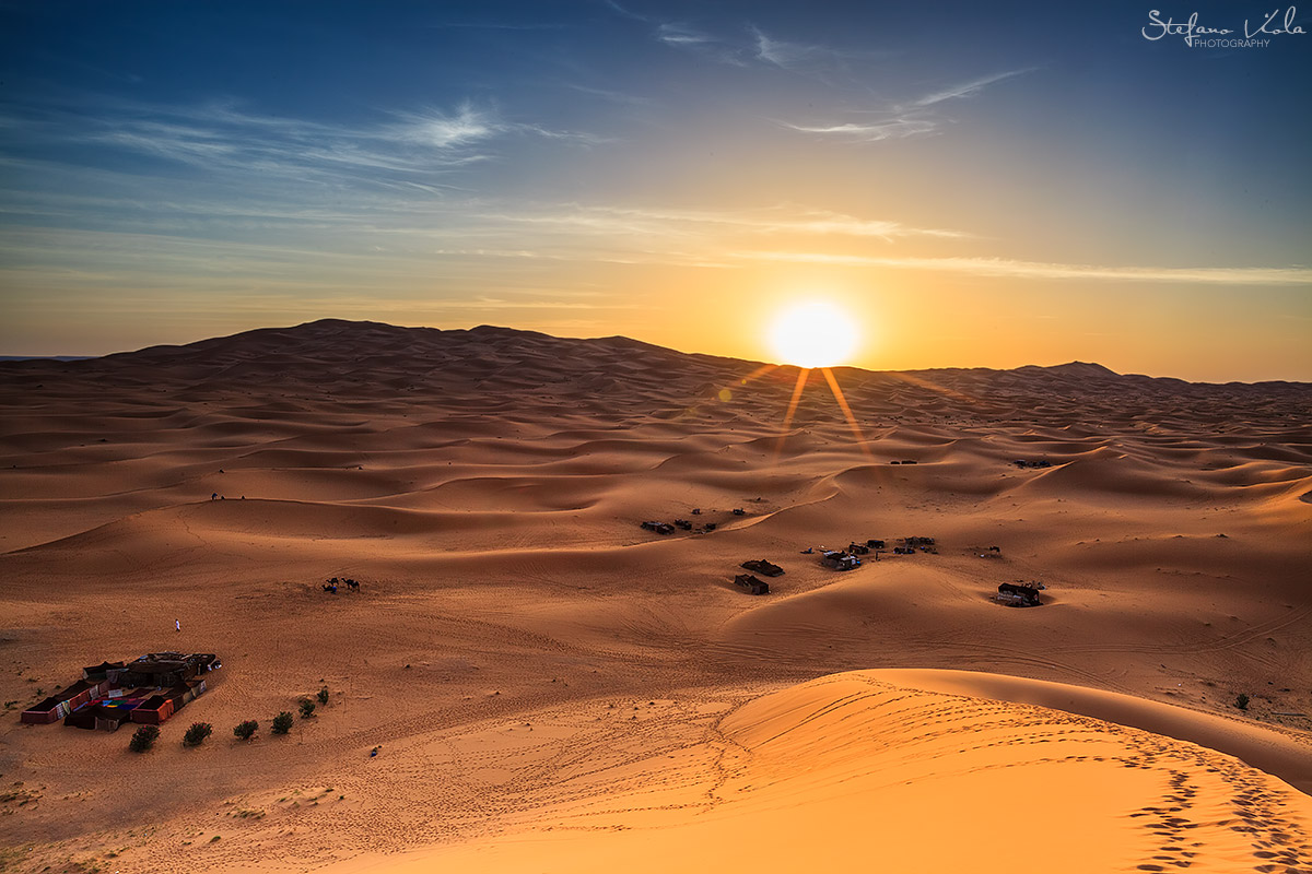 Watch_sun_rise_Desert