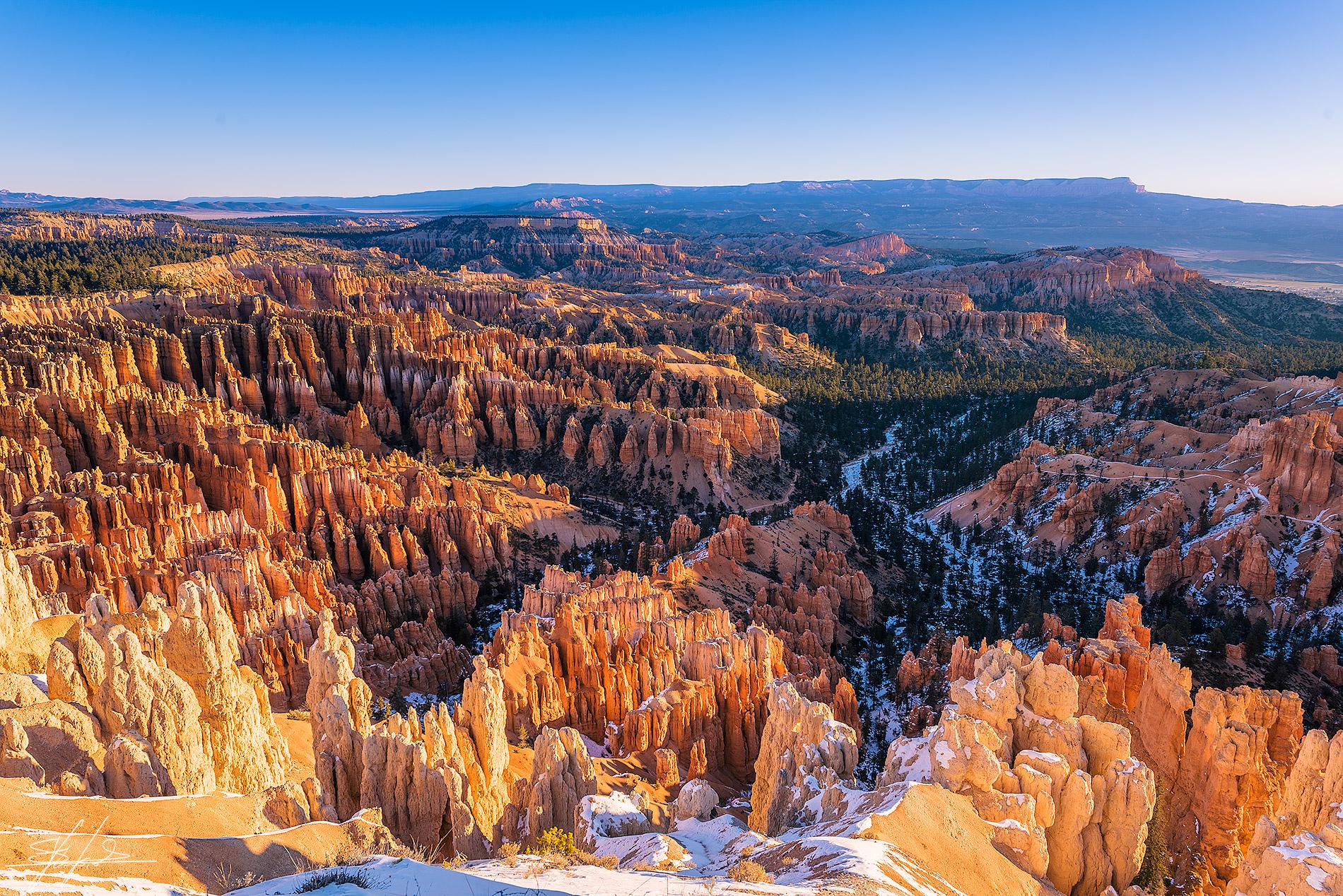 Il Bryce Canyon si illumina
