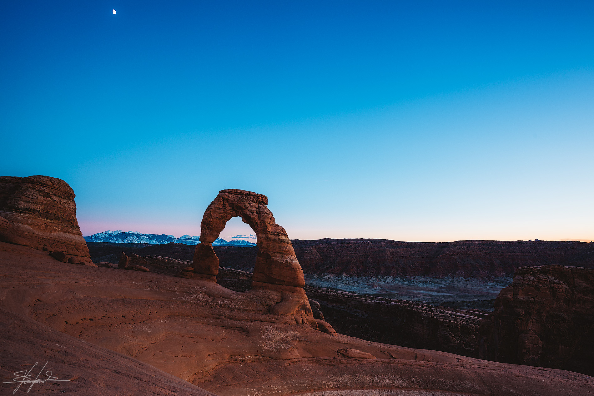 Blue hour at the Delicate Arch