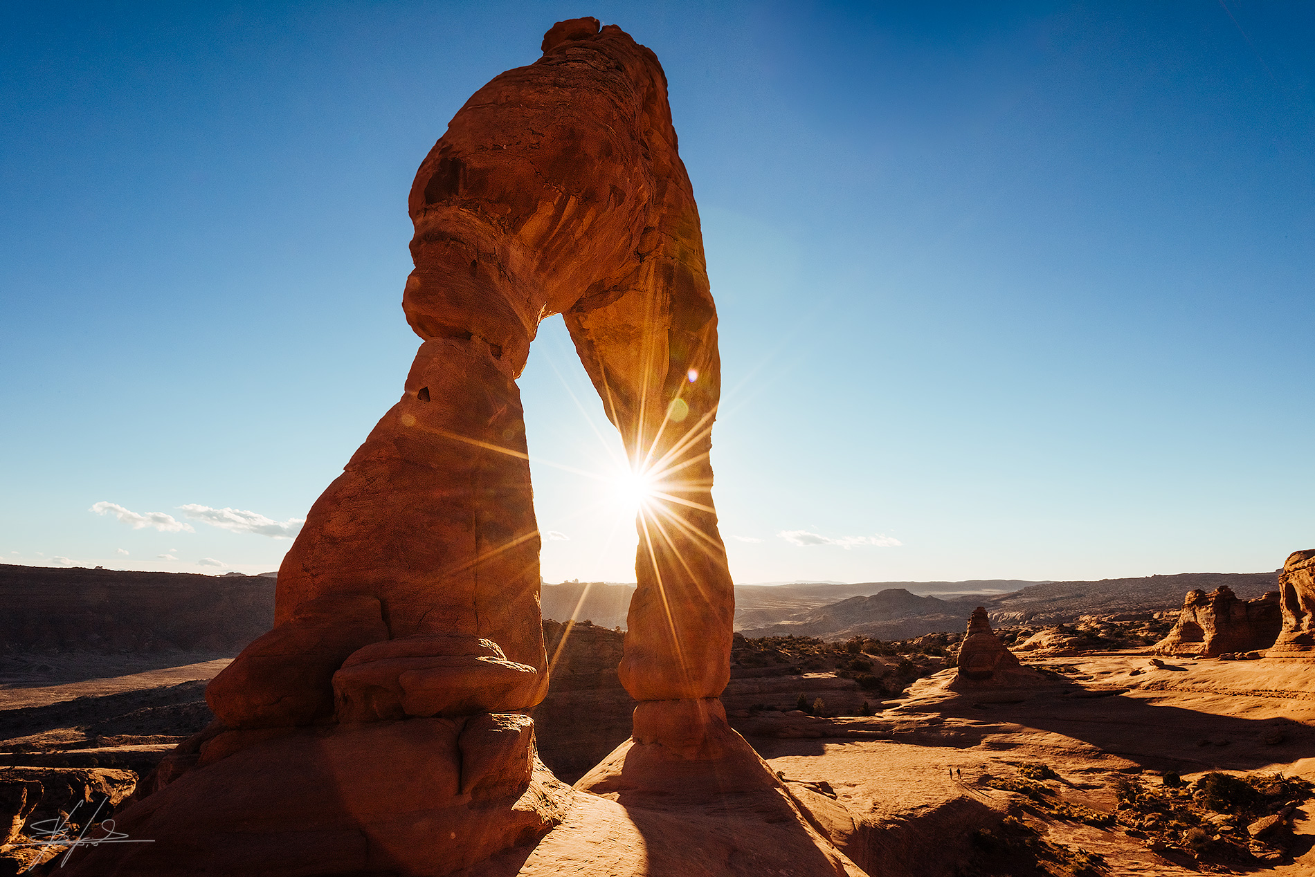 Waiting for sunset at Delicate Arch