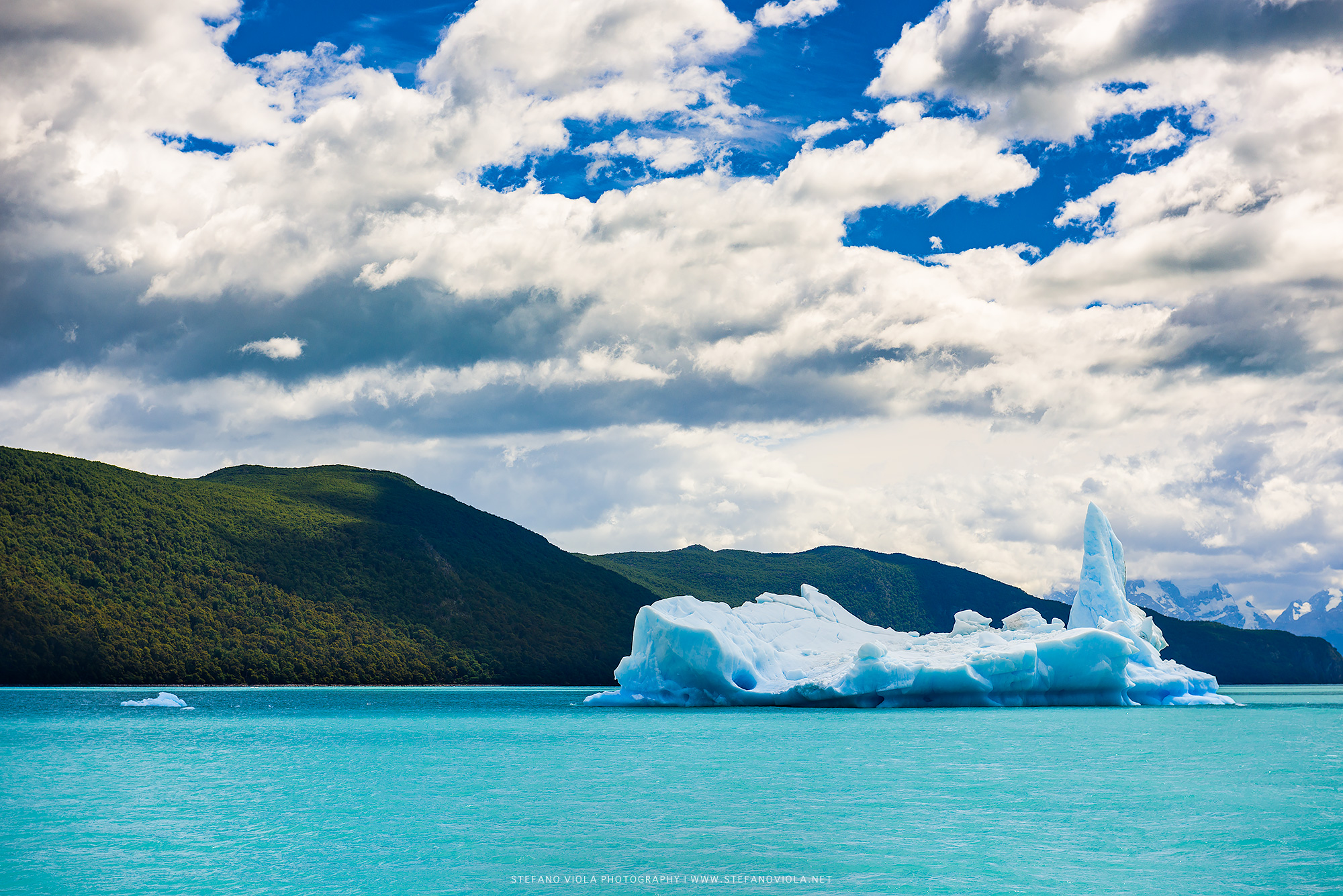 An iceberg at Los Glaciares National Park