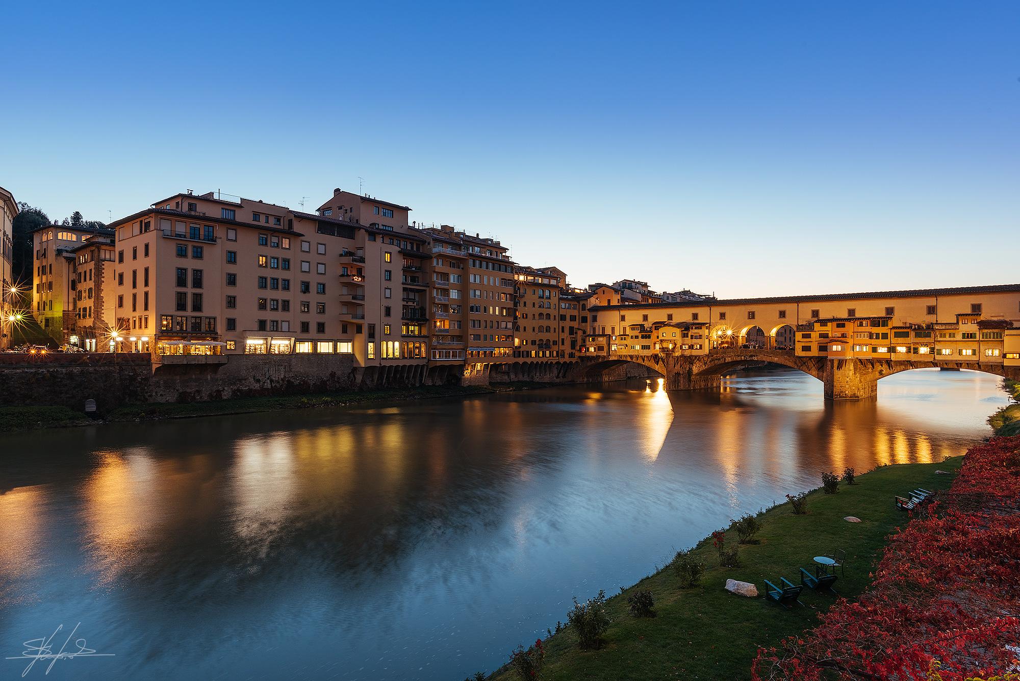 Ponte vecchio al tramonto